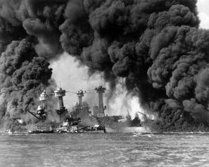 749px-Burning_ships_at_Pearl_Harbor
